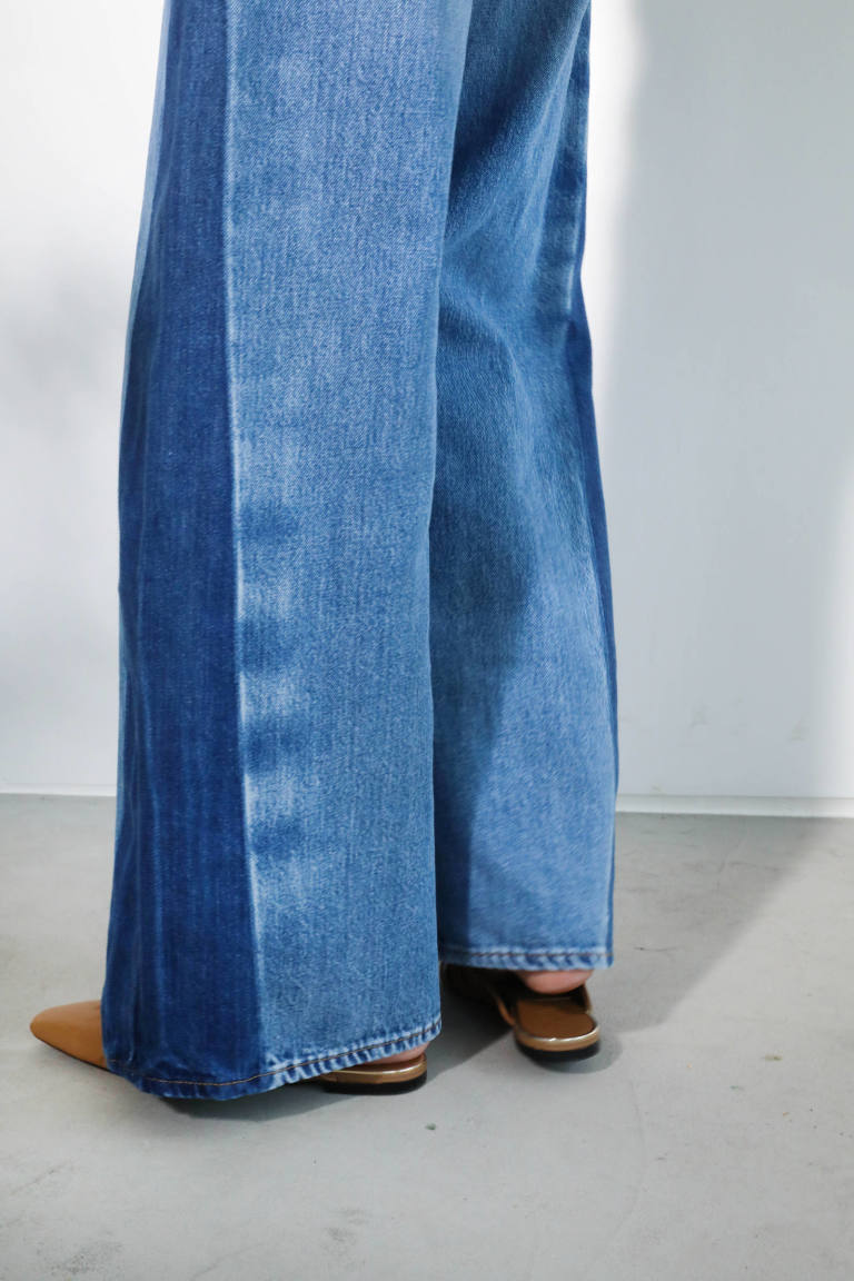 WIDE FLARE JEANS
